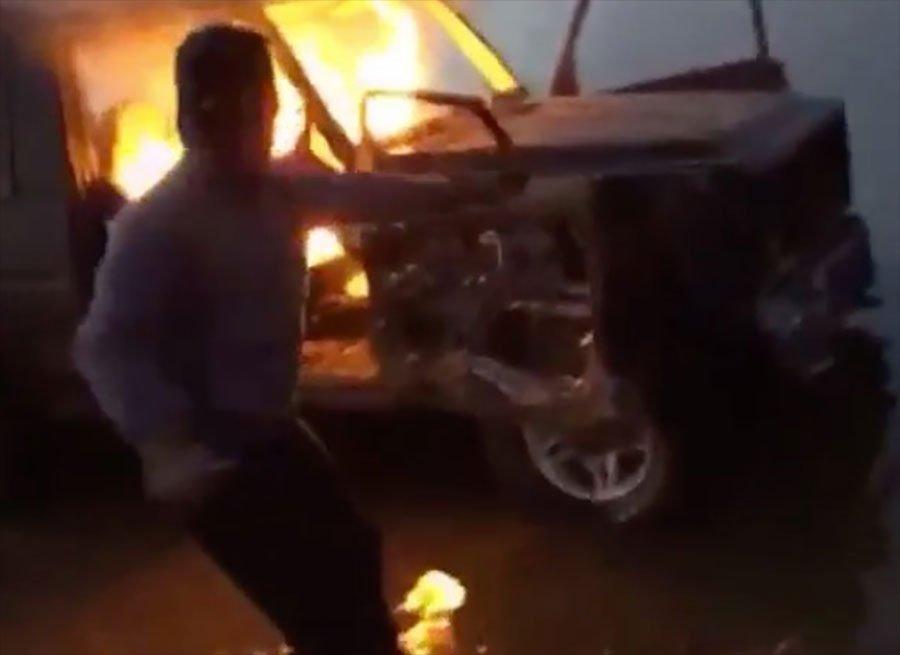 Les Rich Kids d'Instagram ont brûlé une Mercedes à 88.000£ https://t.co/HApQUdmrpP https://t.co/Cs7vk7TOwc