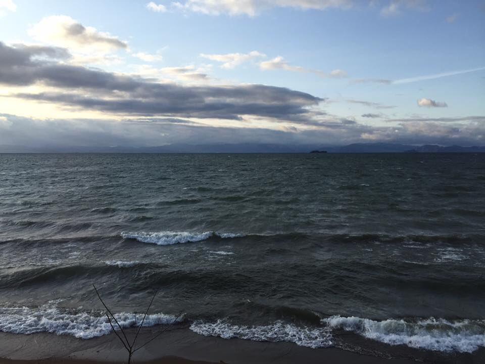 それでは琵琶湖の画像をお楽しみください。と3回も言ったことが印象的だったようです。 https://t.co/szIGQ8uCcj