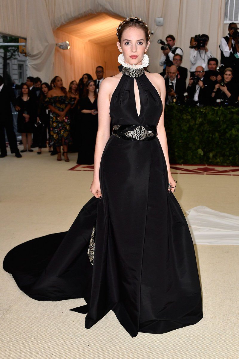 The 6 Rising Actresses Poised to Be Red Carpet Style Stars in 2019 Photos | W Magazine