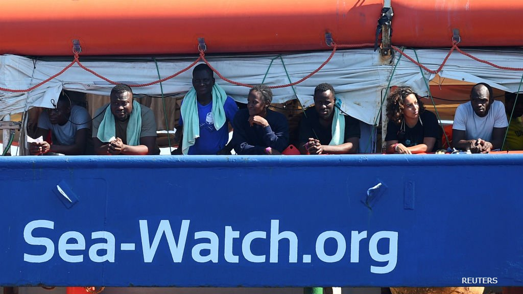 BBC World Service - Newsday, A rescue boat ordered to stay out of Italian waters reaches Lampedusa