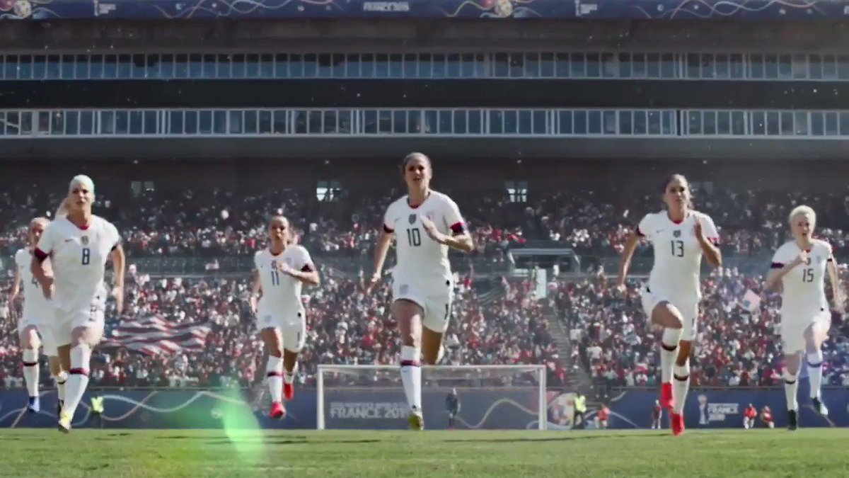let's go team #USA !! ⚽️⚽️???????????????? #FRAUSA @USWNT https://t.co/2bVCki91Dz