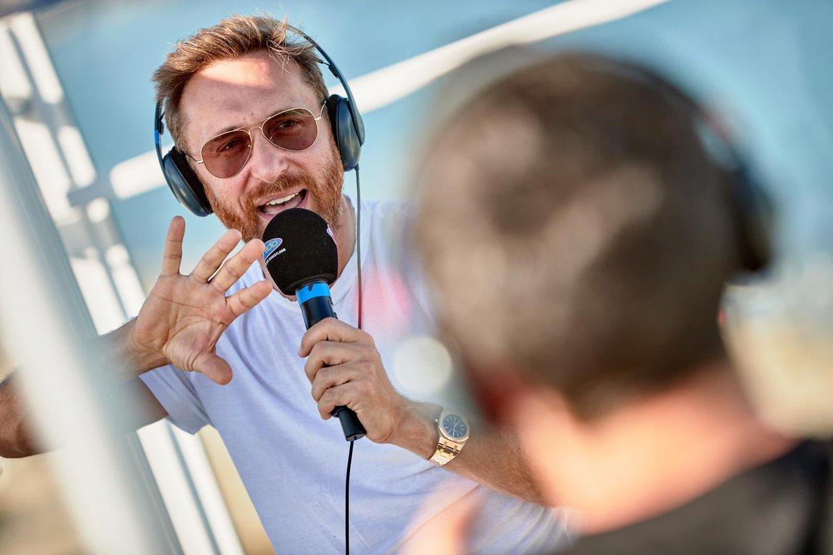 RT @funradio_fr: Il est avec nous sur #FunRadio ???????? ????@davidguetta ♥️ #FunRadioIbiza https://t.co/69WFo7jI70
