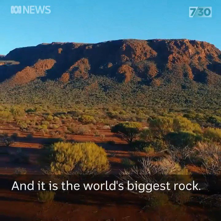 Did you know Uluru is not the world's biggest monolith? It is actually Mount Augustus/Burringurrah in WA.  Wajarri elder and custodian Charlie Snowball shares the #dreamtime story behind it. #abc730 @a_film_maker https://t.co/j8ClLmYQbW