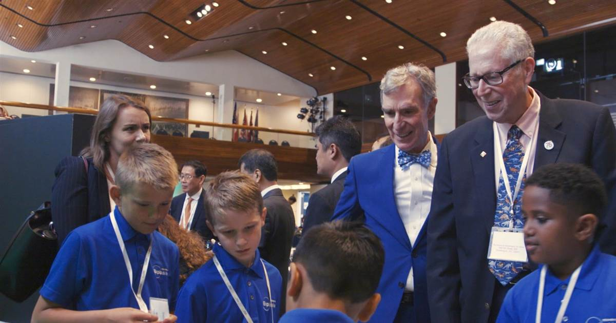 Bill Nye wants the next generation of scientists to tackle climate and change the world