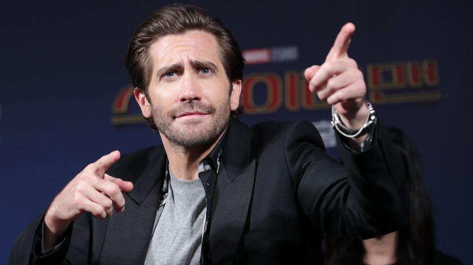 If you do one thing on Instagram today, follow Jake Gyllenhaal.