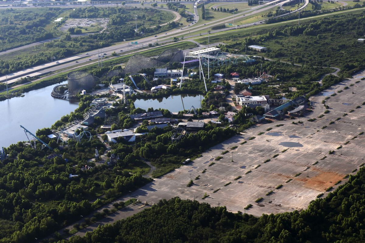 New Orleans amusement park, abandoned since Hurricane Katrina, may soon come down