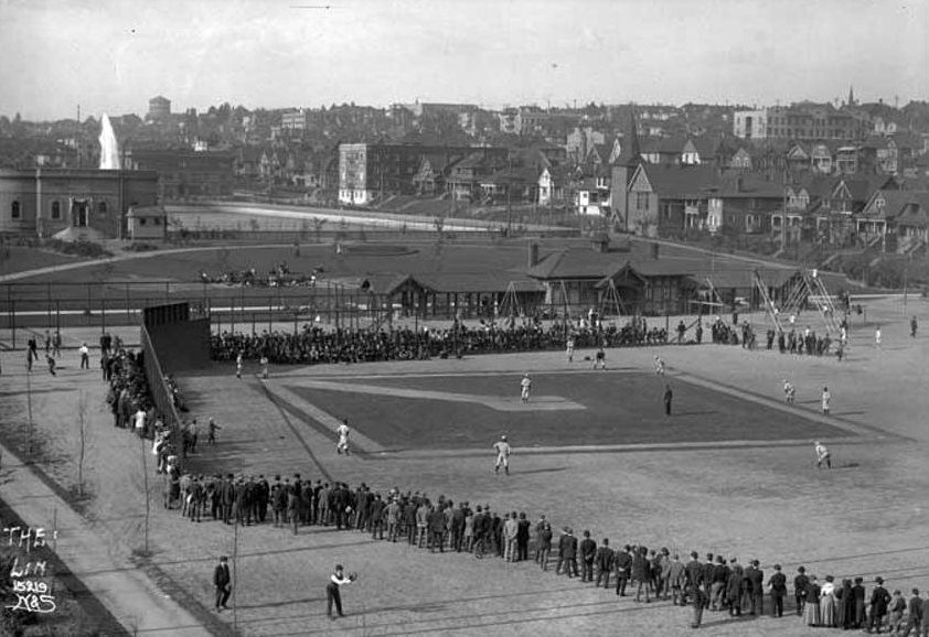 Lincoln Playfield, Seattle ca 1915 - One of most unique baseball diamonds you'll ever see, it's as if the individual who designed this field had never watched a game of baseball in their life. Building on left still stands today as does the German United Church of Christ on right https://t.co/ylE5HwOdWC