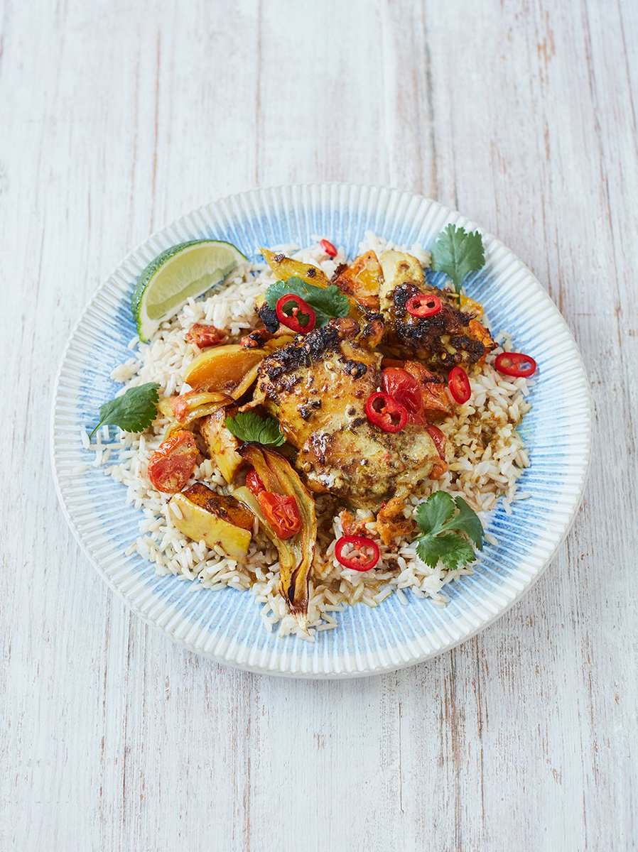 A chicken curry traybake?? Yes really! #TrayBakeRecipe https://t.co/AIKgwwF4N2 https://t.co/Mn6pXjYJg4