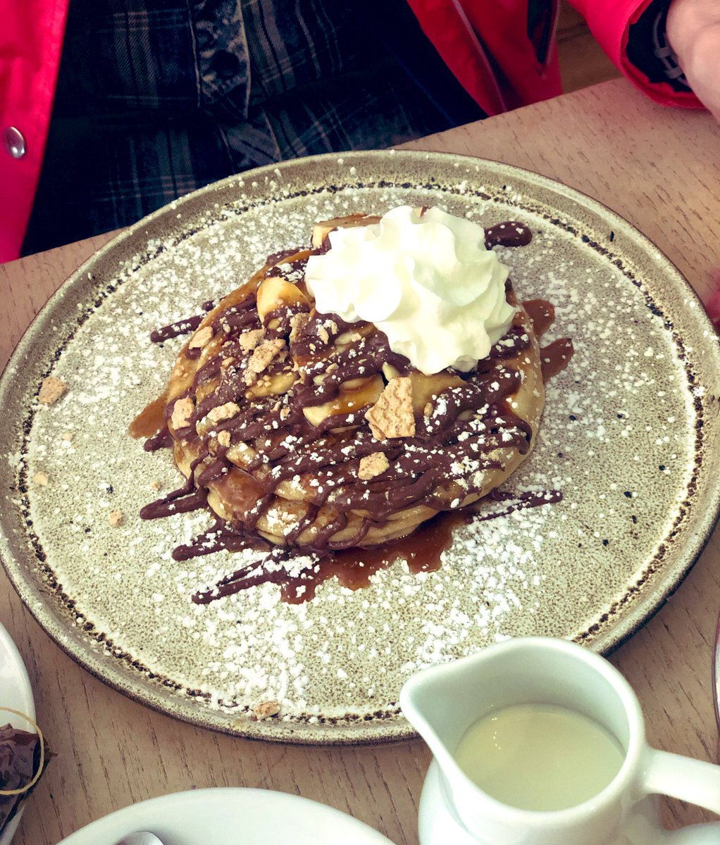 Took my mum for pancakes @HomeSweetHomeNQ today! My God they were good! ???? https://t.co/Ab5nxTwS8w