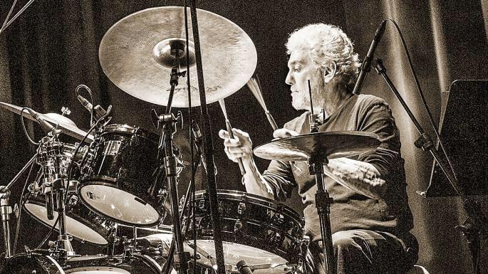 📆 Steve Gadd à Juan - 13 juillet 🔥 #SteveGadd #Jazz #Juan #drums #drummer 🥁🥁🥁 https://t.co/dyZEQgjZGo
