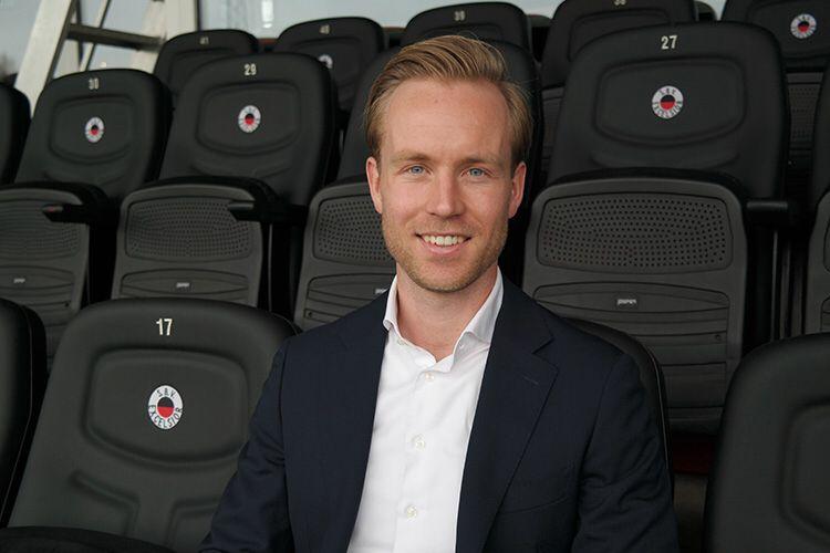 test Twitter Media - 🔙 Daan Bovenberg wordt de nieuwe commercieel directeur van Excelsior Rotterdam. Per 1 april volgt hij Wouter Gudde op, die vertrekt naar FC Groningen. Bovenberg keert dus terug bij de club waar hij op zijn zesde begon met voetballen. #excelsiorrdam #samensterk ⚫️🔴 https://t.co/3DOrkY6Wiw