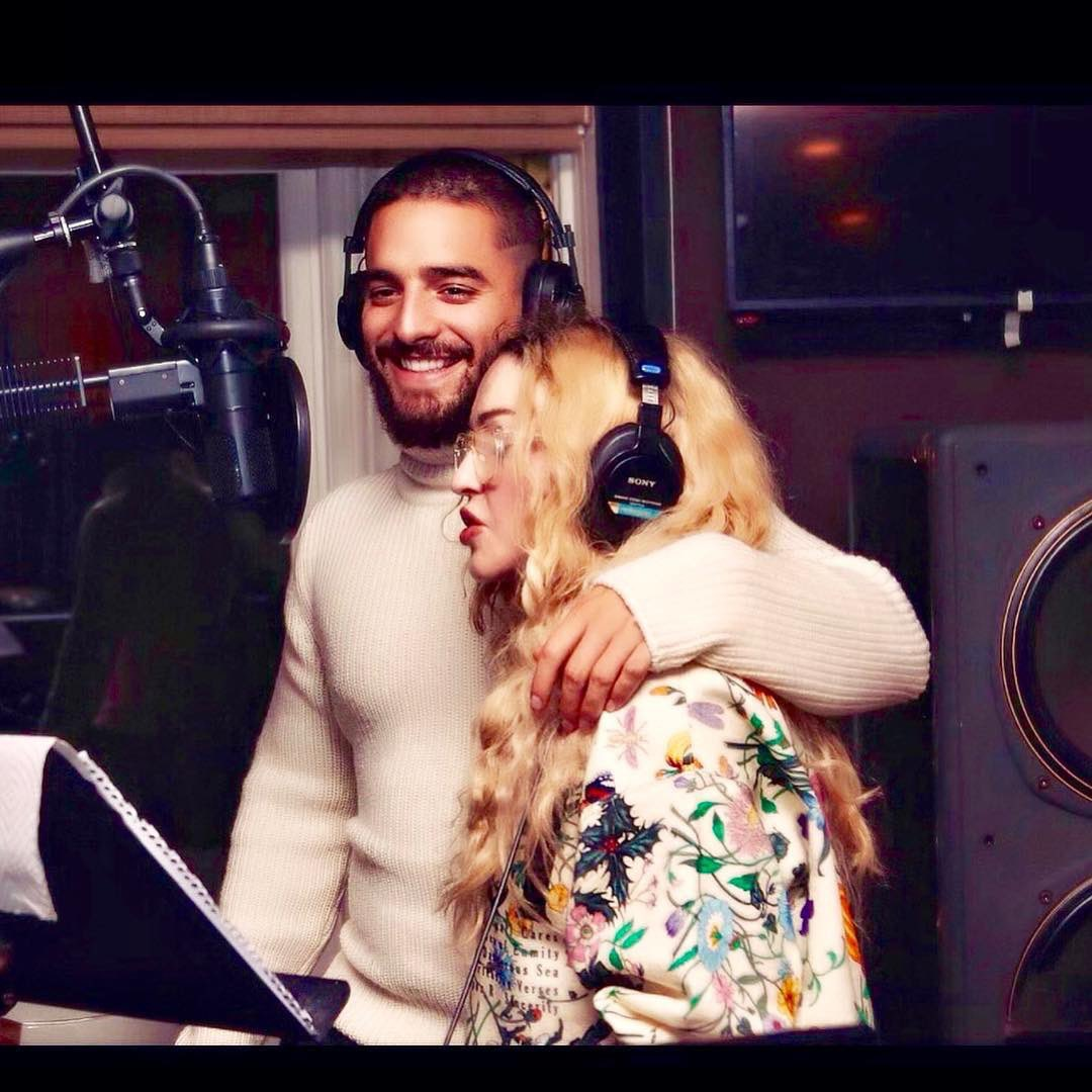 Cooking up some Fuego over here!...............????????????! @maluma https://t.co/5AoQtRZQPR