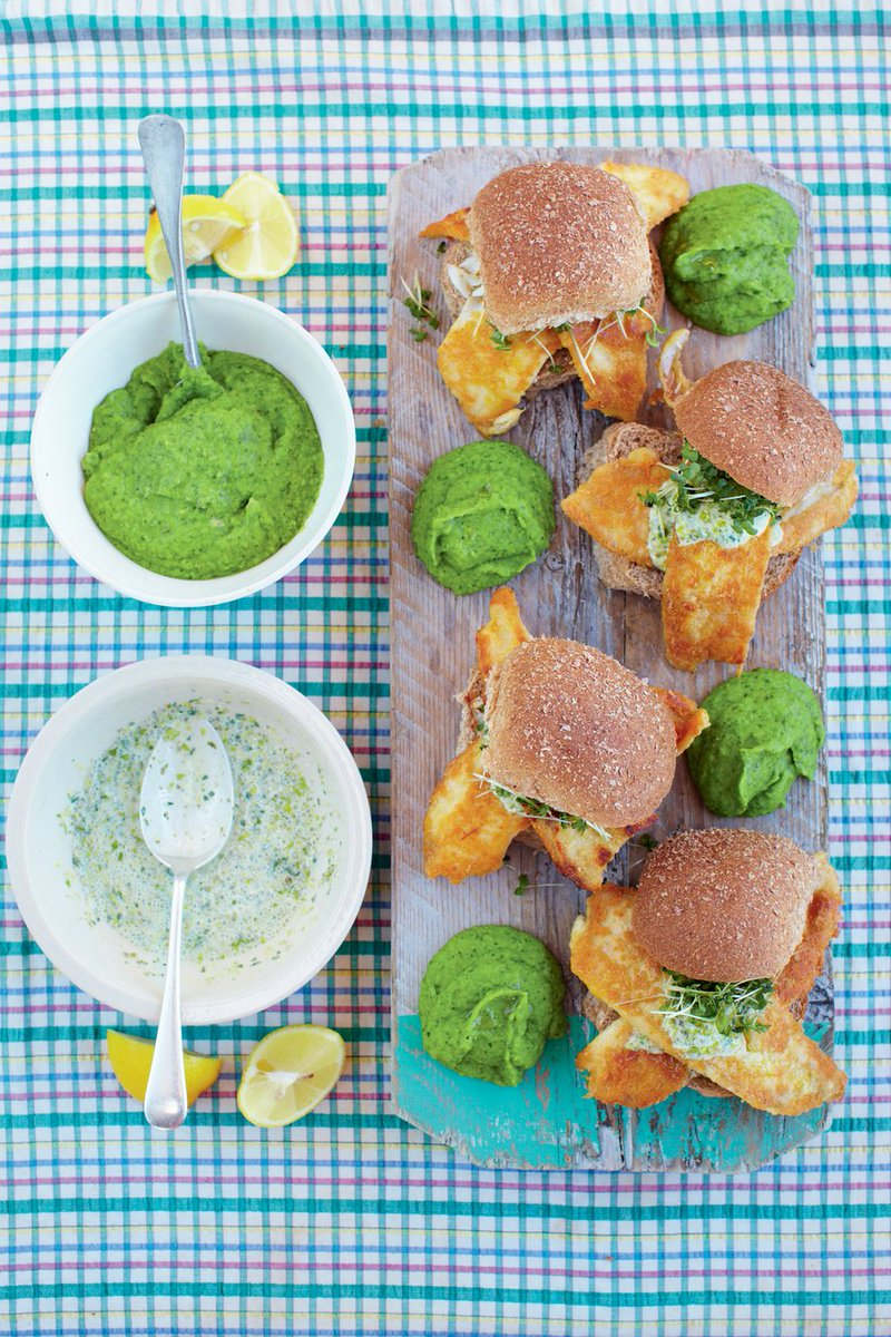 Or how about fish baps with mushy peas...a little bite of heaven! https://t.co/QTic33YsNi https://t.co/tmQLPUXfwL