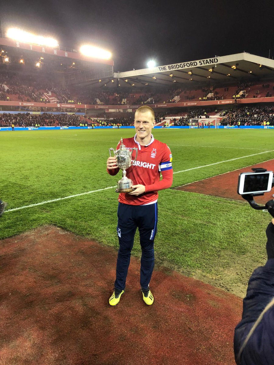 RT @BBCRNS: And here's Ben Watson with the regained Brian Clough trophy!!!  #nffc https://t.co/jSRN8Ic0td