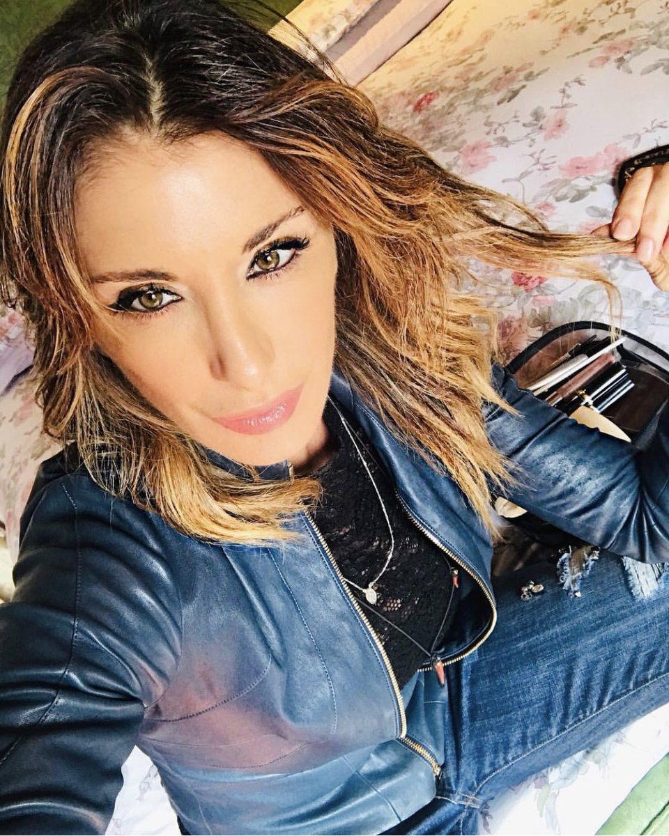 It was a long day ... #???? #???? #crazyhorse #sabrinasalerno  #nothinggonnastopmenow https://t.co/bwg5a9upBH