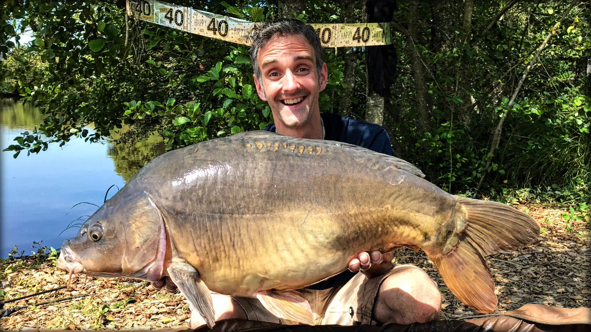 #TBT back to my 40th last year! 😄🙌�<b>🎣</b> #carpfishing #nostalgia #mirrorcarp https://