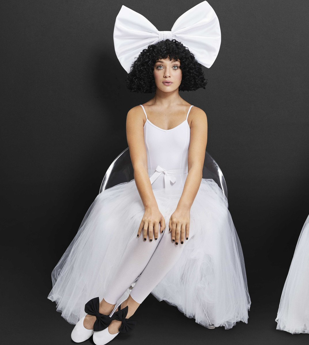 Repetto by Sia - out now! https://t.co/OuiEQupH3G ???? - Team Sia https://t.co/I1FsNUoXkQ