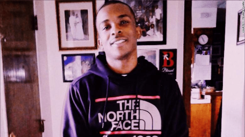 RT @thisis50: Sacramento police officers who fatally shot Stephon Clark will not be charged https://t.co/eziUiHgwce https://t.co/ZHWYBTt0fF