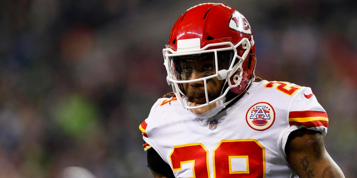RT @NFL: Former Chiefs safety Eric Berry visiting @dallascowboys on Tuesday.  (via @RapSheet) https://t.co/5ynMGebHcg