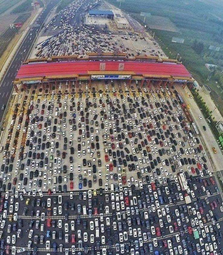 Insane highway on China. 50 lanes merge into 4. Maybe China isn't winning at everything. https://t.co/j9qfvkw9LT