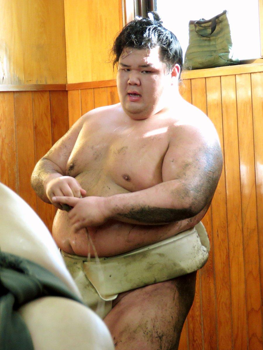 test ツイッターメディア - 春場所の中日に連敗を喫した阿武咲関。後半戦、ここから巻き返して欲しい。まだまだ、これからファイトp(^-^)q 写真は、平成31年1月5日(土)の稽古見学にて。明るく補正しての再掲です♪ #sumo https://t.co/766MvVidSK