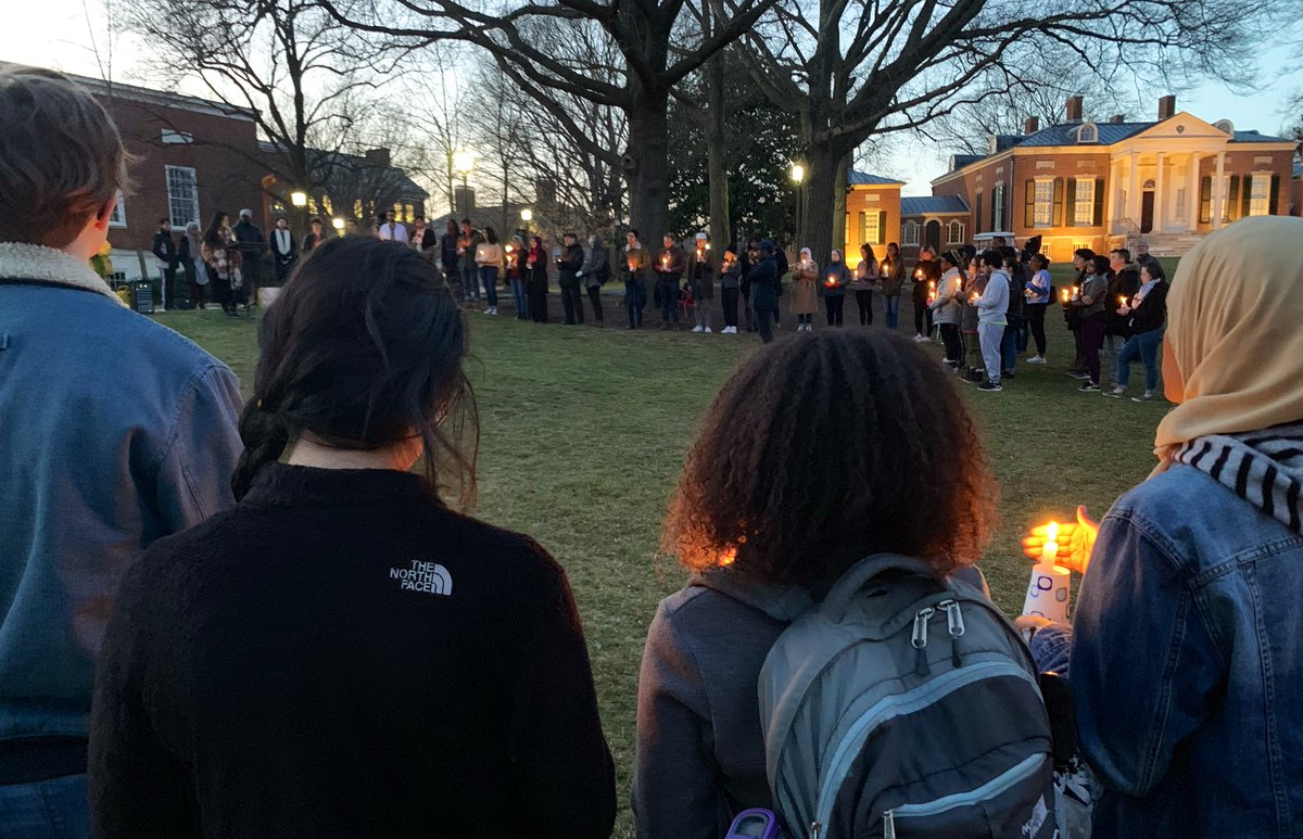 RT @faroukdey: @JohnsHopkins students, staff, and faculty turning tragedy into love and light 🕯 ❤️ ☮️ https://t.co/JYWrdqHQzp