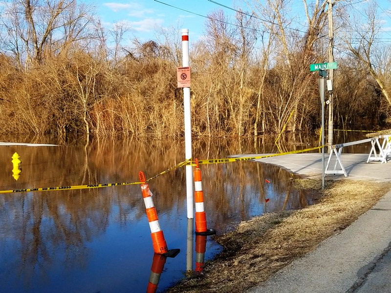test Twitter Media - Missouri River now predicted to crest Friday AM (3/22) at 30.2 feet (4.4 feet less than predicted 3/18). Parks are flooded and will remain closed until water recedes. Main St. south of McAfee Dr. also closed. Police will continue to monitor water levels. #ParkvilleEmergencyMgmt https://t.co/mH7jUiUgLQ
