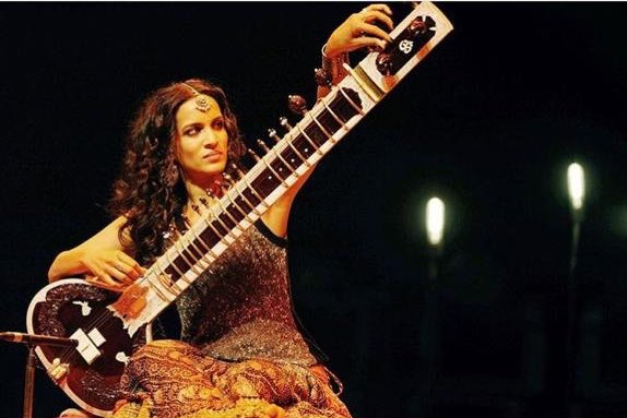 Texas! We're starting with you. ❤ Join me in Austin on 9 March and Stafford on 10 March. I'm so excited to be back on the road!  #AnoushkaReflections #anoushkashankar  #livemusic #sitar  #Texas #Austin #Houston https://t.co/qaQs7tQvaE