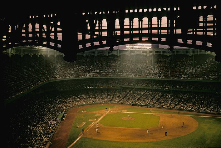 Yankee Stadium, Bronx, June 12, 1956 - Stunning image of White Sox and Yankees game by legendary photographer Marvin E. Newman. A good size crowd of 34,662 saw third baseman Andy Carey hit a 2-run home run and ace Whitey Ford (8-3, 2.12 ERA) throw a four-hitter in 4-2 Yankees win https://t.co/SDvv4wDwK8
