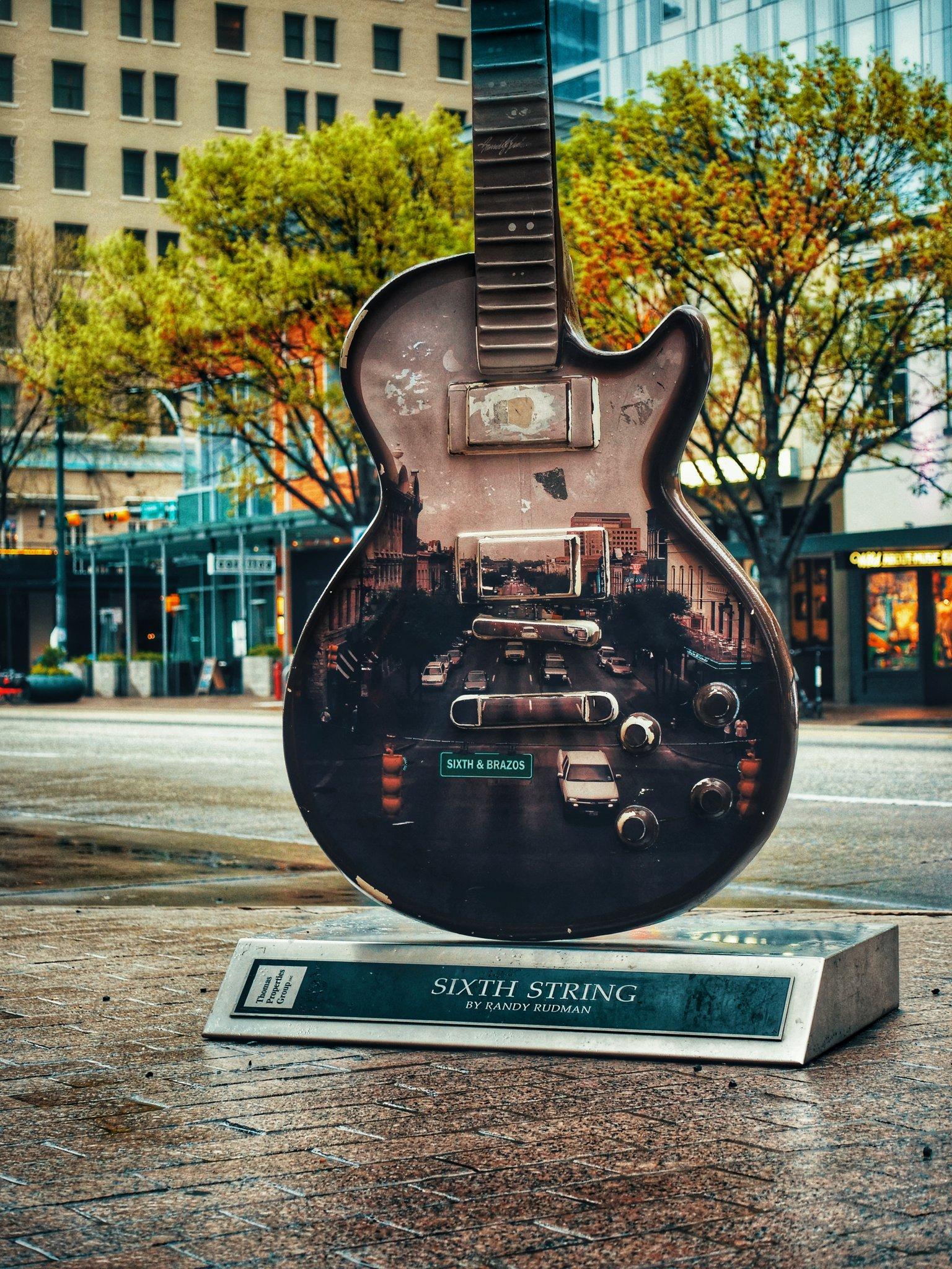 🎸Blessed to call this place home!!! #SixthString . #atx #guitar #livemusiccapitaloftheworld #austintexas #art #austinart #artinstallation #streetart #music #artofmusic #austin #randyrudman #sixthstreet https://t.co/v8SdyiSYGu