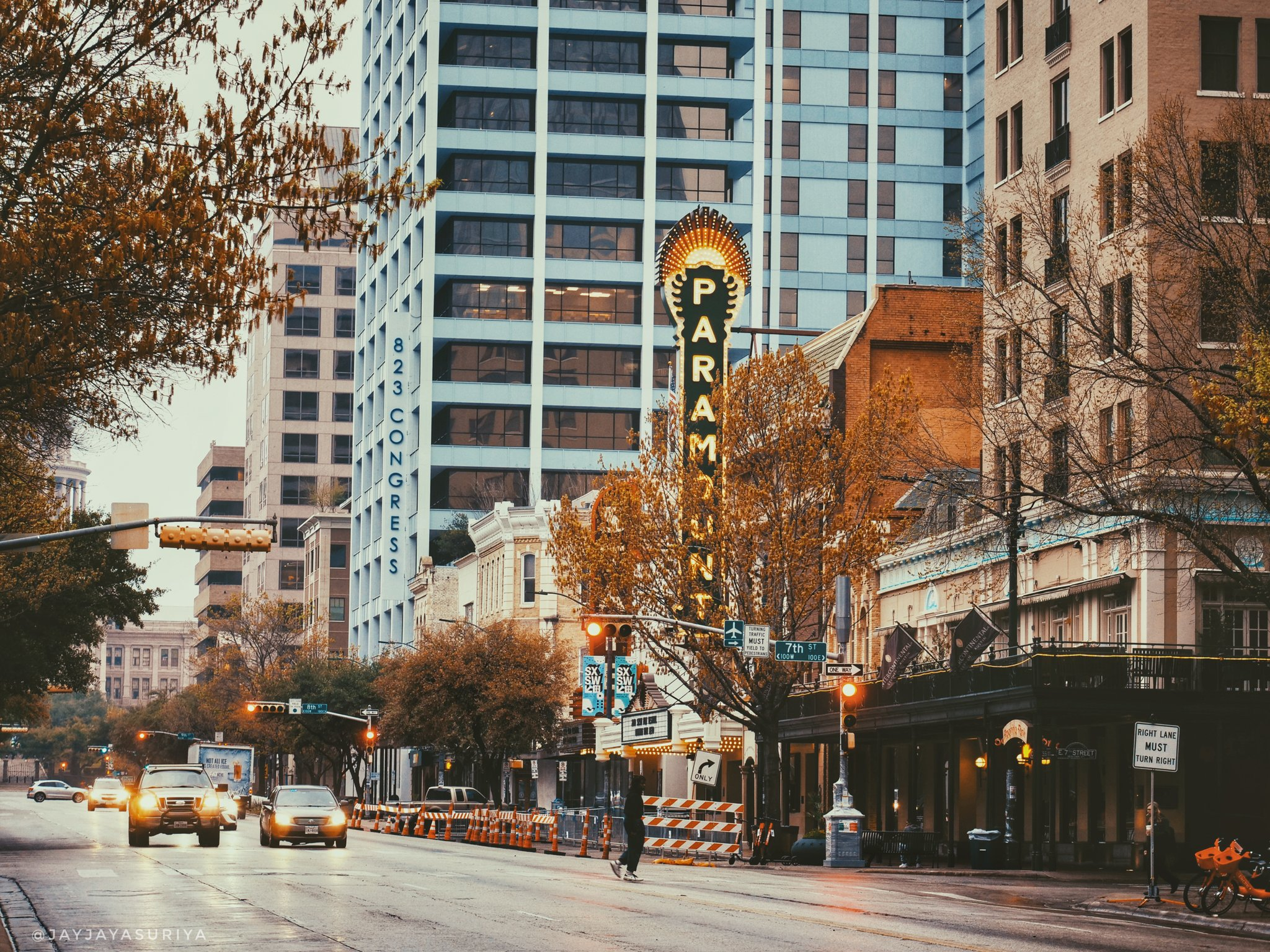 This place is about to get flooded with celebrities and talented folks from all around the world!!!  @ParamountAustin @SXSW  . . #austintexas #paramounttheatre #atx #film #sxsw #sxswfilm #filmfestival #sxsw2019 https://t.co/BTHuKlxGPu