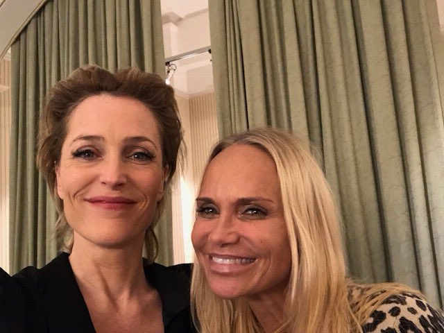 Chenderson backstage. Thanks for coming to @AllAboutEvePlay @KChenoweth! ❤️ https://t.co/jGuGC17i3g