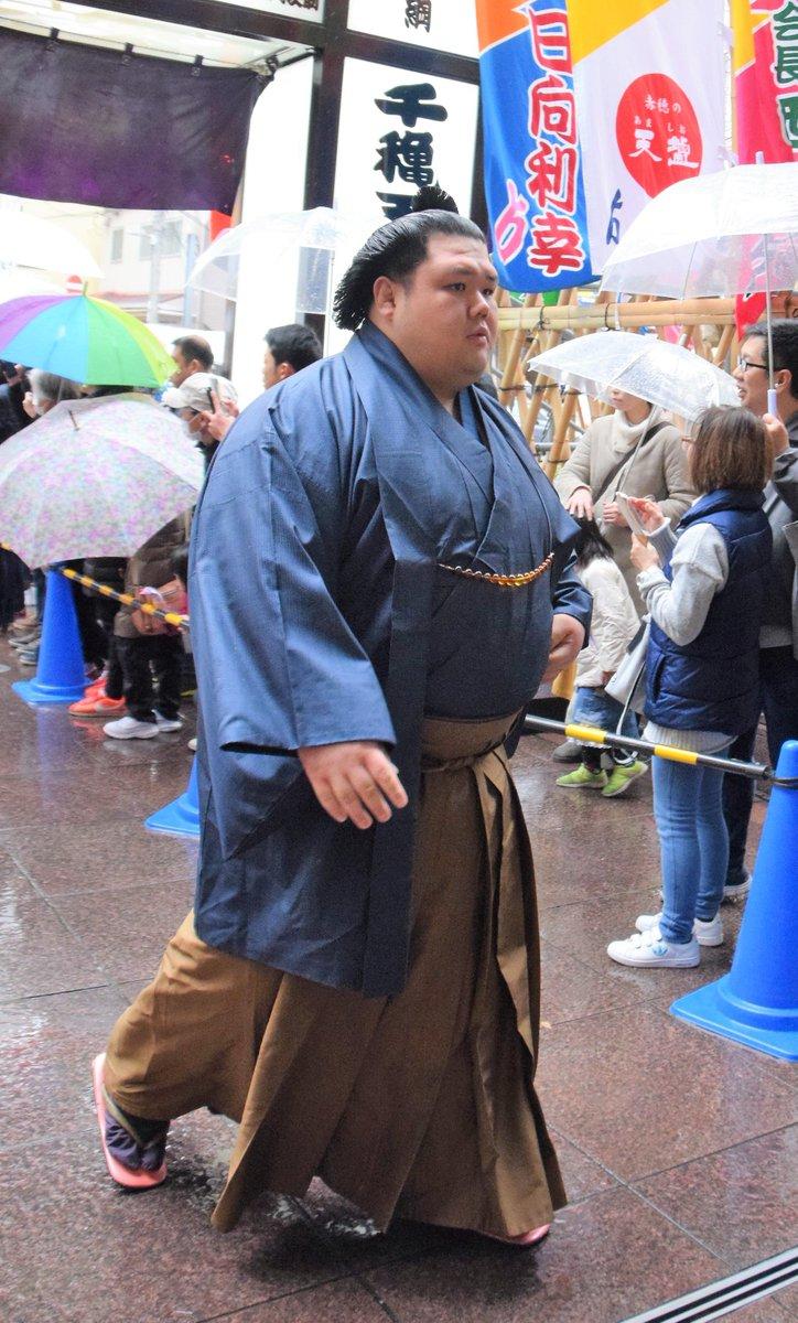 test ツイッターメディア - <初日の様子> 場所入り。阿武咲、千代大龍。#sumo #相撲 https://t.co/NJDCn9BOhT