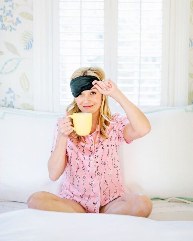 RT @ReeseW: Do I have to get out of bed today? ☕️ #onemorecup #daylightsavings https://t.co/UrvOwJZSGY