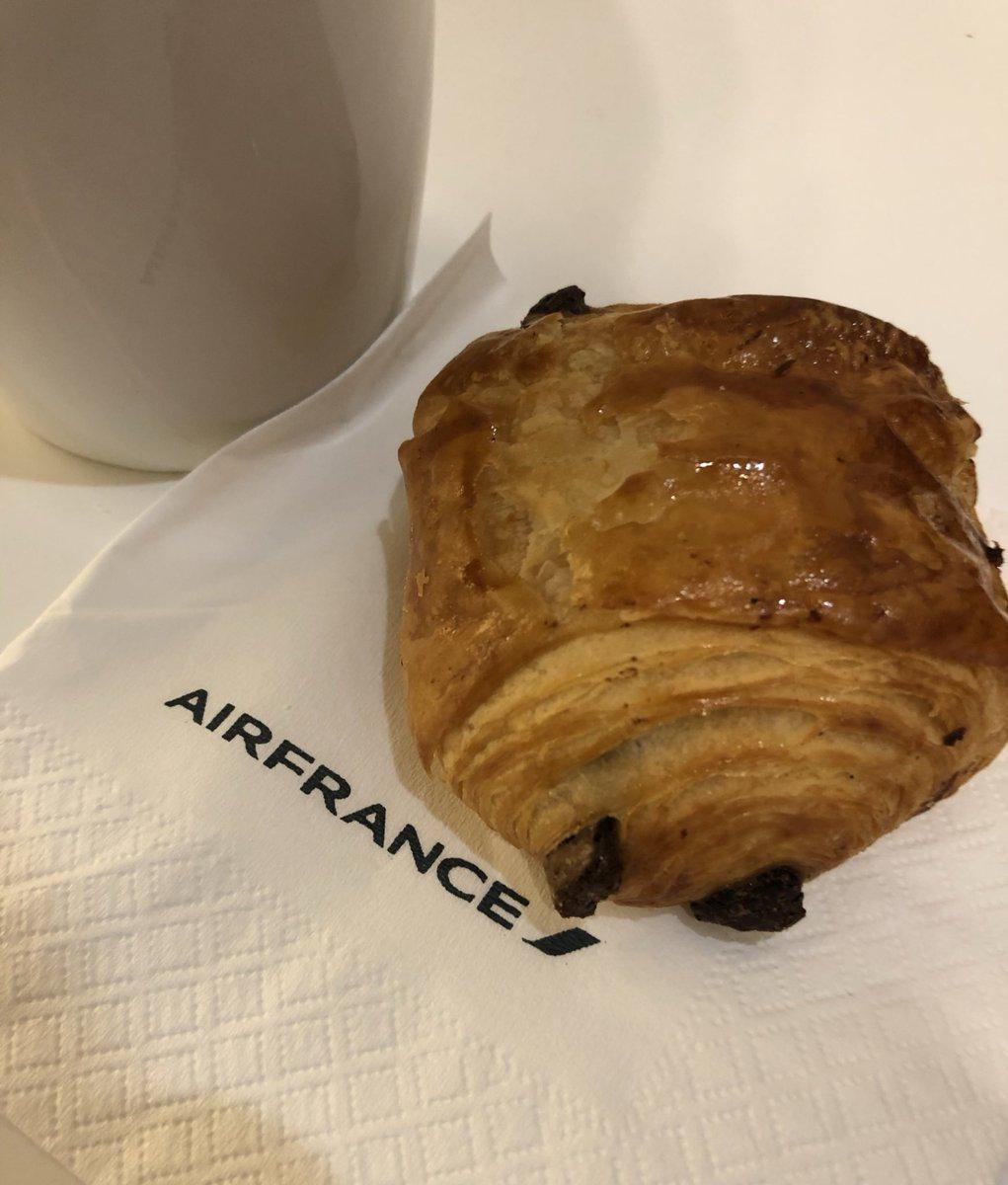 test ツイッターメディア - Merci @AirFranceFR  Un petit pain au chocolat et ça repart! #teampainauchocolat https://t.co/I6iHdKUU44