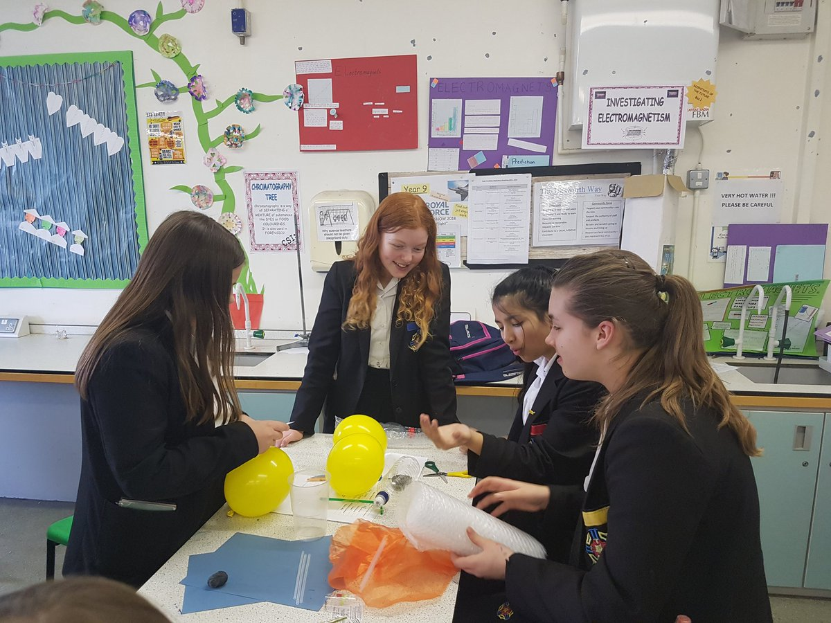 test Twitter Media - The boat building has commenced! Who will be victorious and who will sink... @ScienceWeekUK #scienceweek #journeys https://t.co/OBHupurcmM