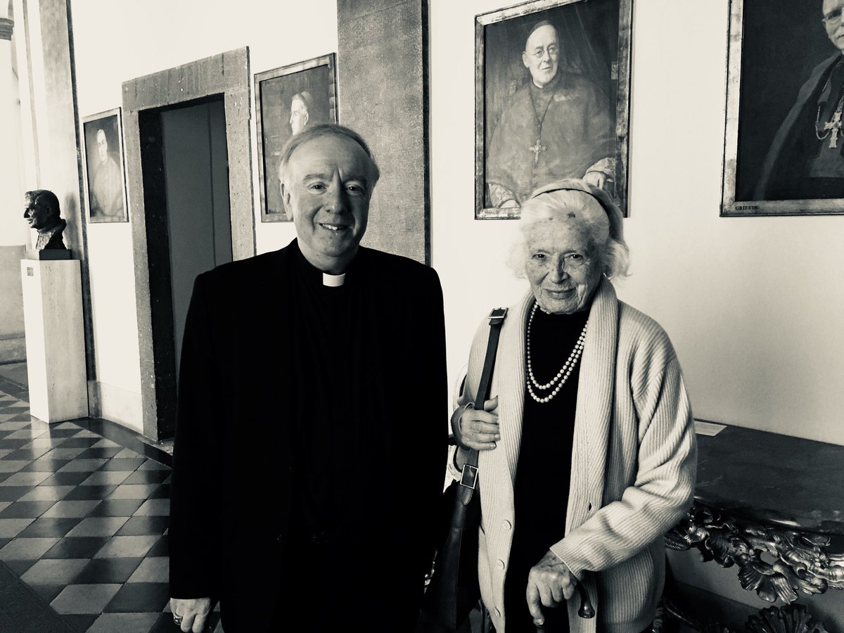 test Twitter Media - Just left the English College for the Beda College (by St Paul's Outside the Walls). I return to Portsmouth this afternoon. Yesterday I was happy to meet again Wanda Gawronska, niece of Bl Pier Giorgio Frassatji. She is keen we mount a prayer campaign for his canonisation. https://t.co/OCDAkeiC6A