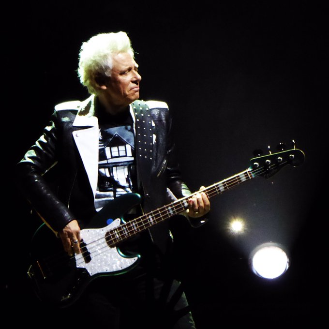 Happy birthday to the Bassman, the player of 4 strings, Adam Clayton!