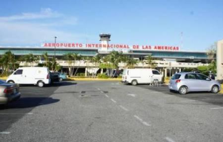 Cientos de pasajeros varados en aeropuertos por suspensión de Boeing 737 Max 8 y9 https://t.co/y0qIVY0w6N https://t.co/LPrXPEJSUT