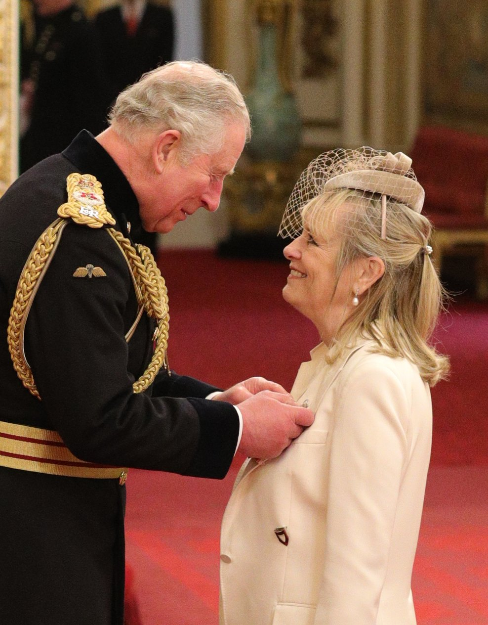 Lesley Lawson – @Twiggy - was awarded a Damehood by The Prince of Wales.  Model, Designer, Singer and Actress, Twiggy received her Honour for services to Fashion, to the Arts and to charity. https://t.co/rEMs8qk3NT