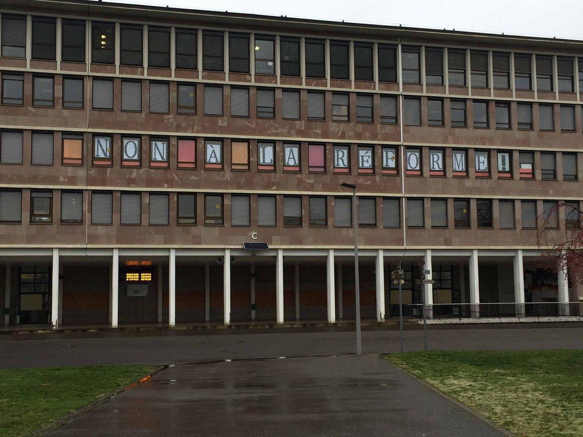 test Twitter Media - RT @LutteLycee: La salle des profs du lycée #couffignal affiche la couleur ! #stopréformesblanquer #Strasbourg https://t.co/zTilFxtrlZ
