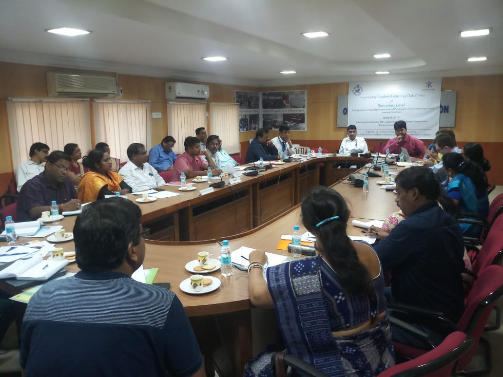 Team Transform is in #Odisha hosting the 'Seminar on Improving Student Learning Outcomes at Secondary Level'. Bringing you updates on our #secondaryschool education programme from a room full of experts! @KusumaTrustUK @jt_kerwin @vinayakpankaj  #education #wetransform https://t.co/bkxhdg2bpf