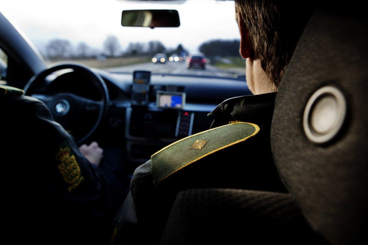 Politiet fangede flere hashhandlere torsdag aften på Stevns og i Greve #politidk https://t.co/GxvcRFzSFJ https://t.co/mftKKyZjnB