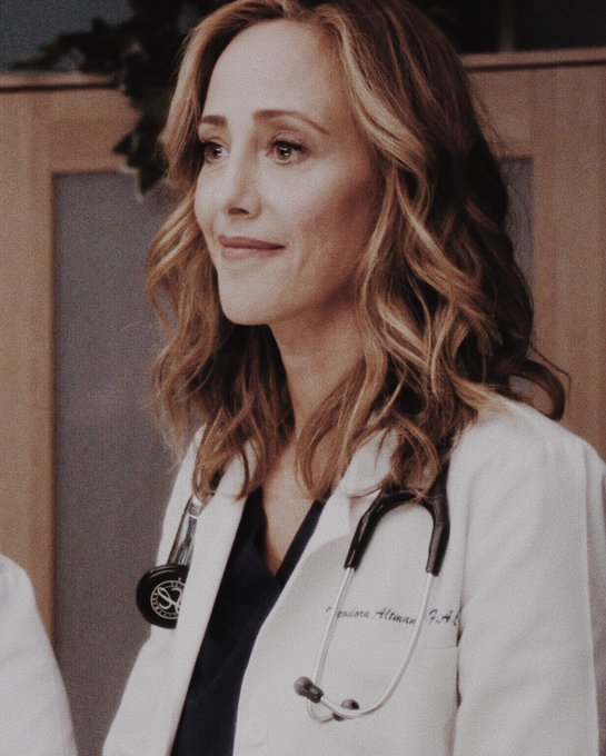 Happy birthday miss kim raver i love u :(