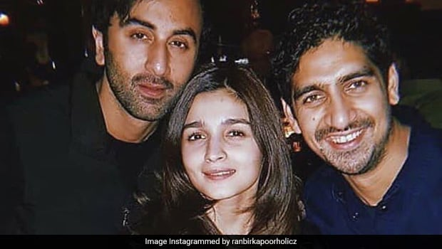 Video Shows Alia Bhatt Cutting 3 Delicious Cakes On 26th Birthday