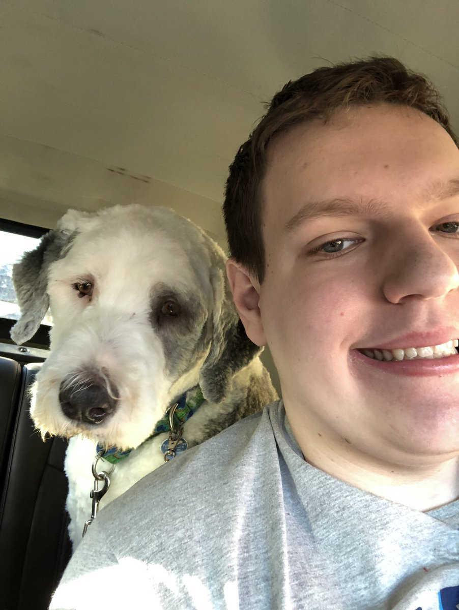 RT @BobTheStormCro1: Chilling with my service dog #DoWhatYouLove https://t.co/19grnSFovc