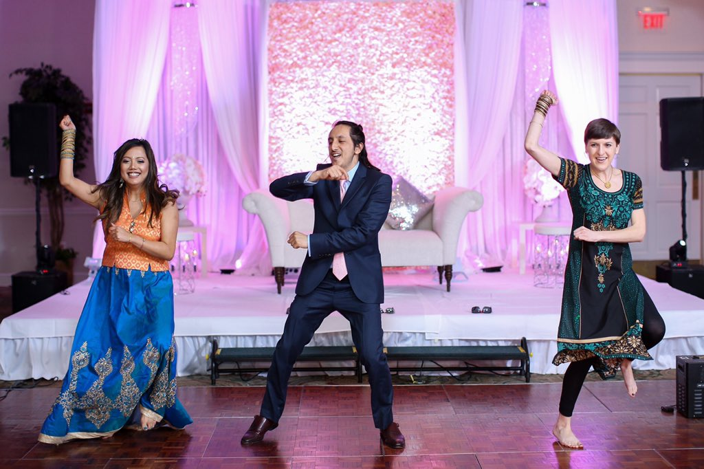 RT @cemccarthy02: @hitRECordJoe Dancing with friends - #DoWhatYouLove https://t.co/TvvLA7QAZL