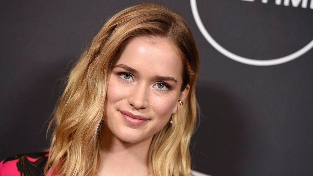 You star Elizabeth Lail to lead STX's horror film 'Countdown'