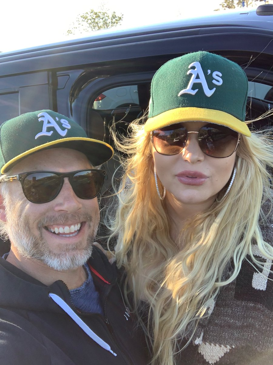 Ace hit a homerun!!! https://t.co/YOlAiW0FNV