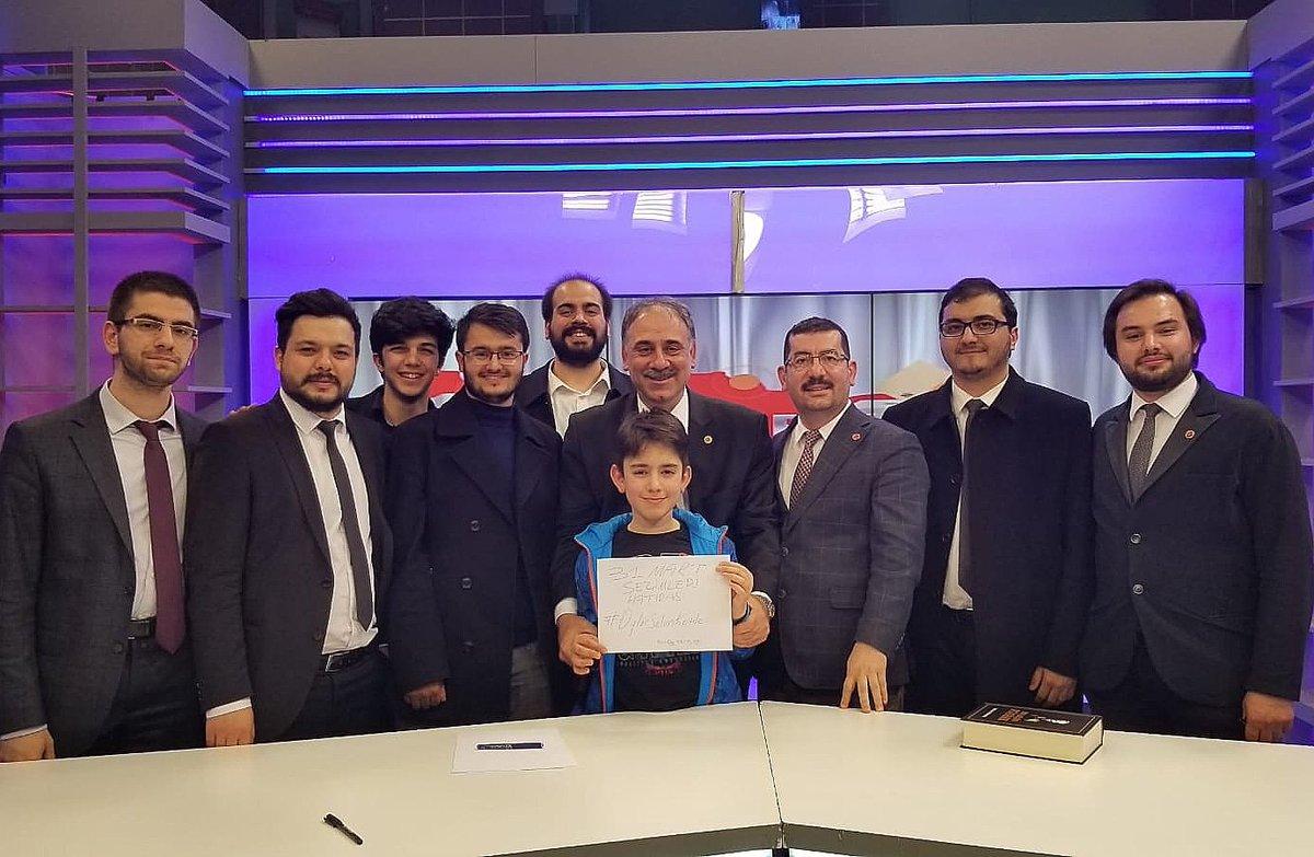 RT @selimkotil34: Ekibimle son canlı yayınımızı Cem Tv'de yaptık. #VerEliniİstanbul #OylarSelimKotile https://t.co/L1c6JzI9UO